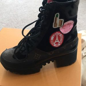 World Tour Louis Vuitton boots